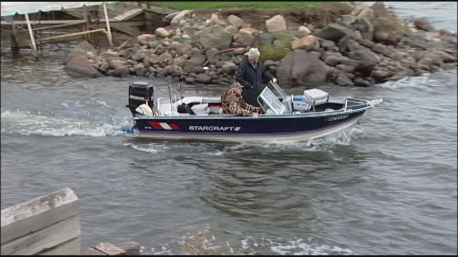 Dnr backs hike in fishing hunting park fees for Minnesota non resident fishing license cost