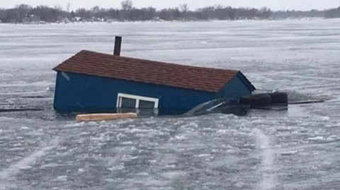 Ice house sinks through chisago county lake for Mn ice fishing show