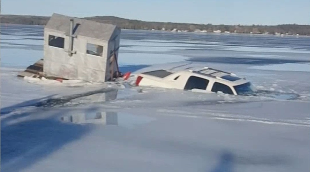 School Closings And Delays >> kare11.com | Truck, ice house fall through the ice of Lake ...